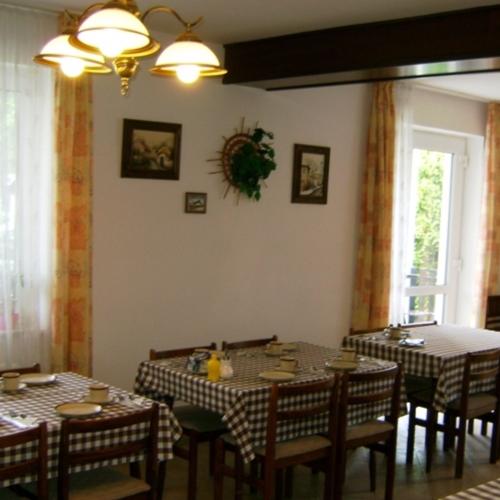 Penziony Praha - Ubytování - Pension Větrný mlýn Ruzyně