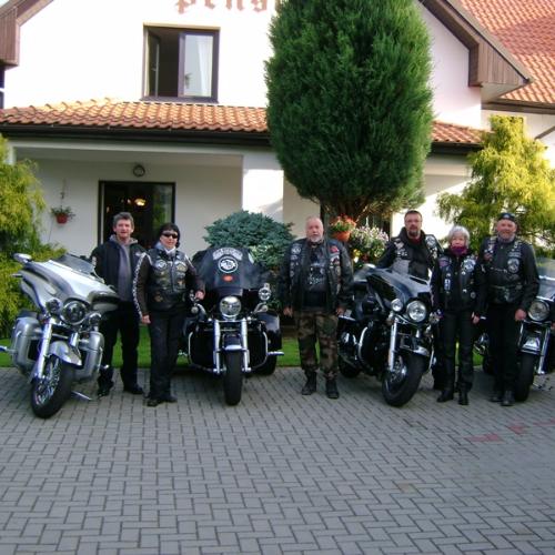 I drsný gang Harleyářů je u nás spokojen.