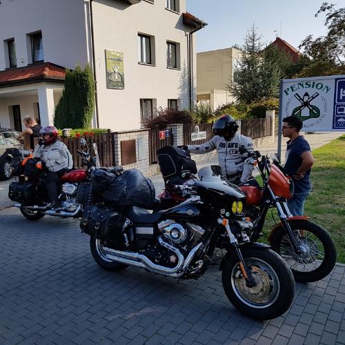 Motorkáři jsou u nás v penzionu vítanými hosty.
