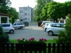 Příjemný rekreační pobyt a bezpečné parkování v uzavřeném areálu penzionu v Praze 6.